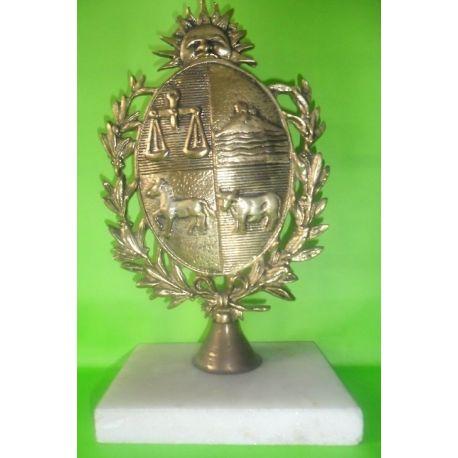 Escultura de bronce Escudo Uruguayo Nº 3 sobre marmol 26 cm