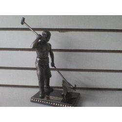 Escultura Forjador
