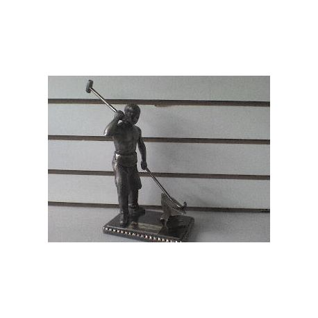 Escultura de bronce Forjador
