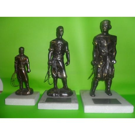 Escultura de bronce Gaucho con Lazo Nº 1 16 cm, Nº 2 24 cm y Nº 3 26 cm sobre marmol
