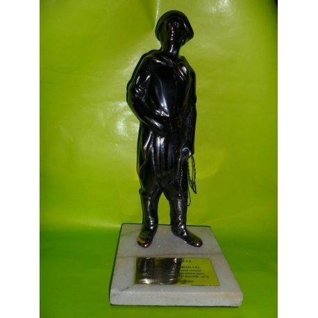 Escultura de bronce Gaucho con lazo Nº 4 34 cm sobre marmol
