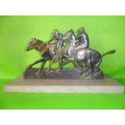 Escultura de bronce Polo sobre marmol