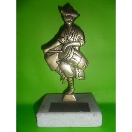 Escultura de bronce Tamborilero sobre marmol 16 cm
