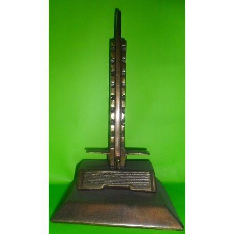 Escultura de bronce Torre del Estadio Centenario sobre madera 21 cm