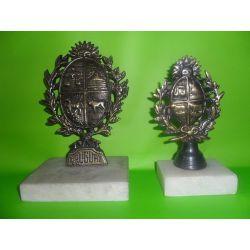 Esculturas de bronce sobre mármol escudo uruguayo Nº 1 15 y cm Nº 2 17 cm