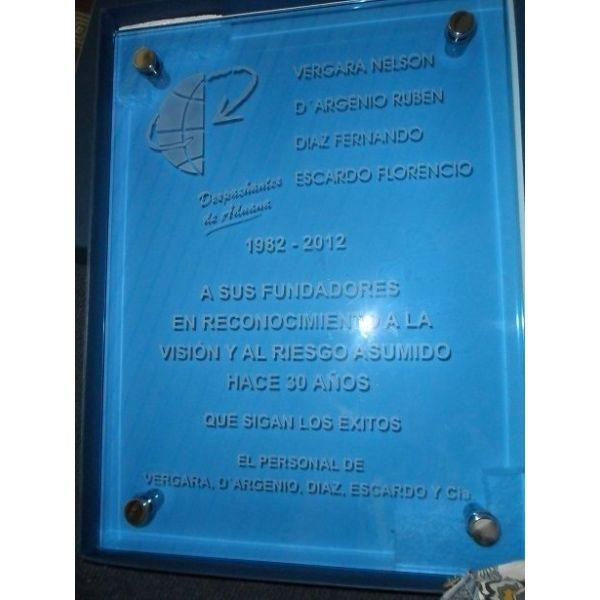 placa de vidrio azul para pared con separador botn metal