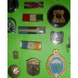 Pins y piochas militares. Varios modelos